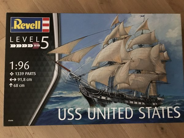 Revell USS United States 1:96 05606