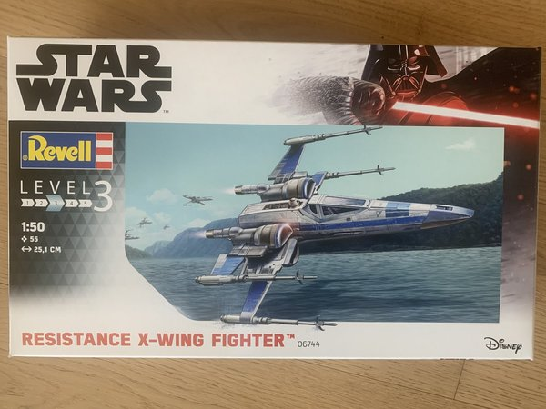 Revell Star Wars Resistance X-Wing Fighter 1:50 06744
