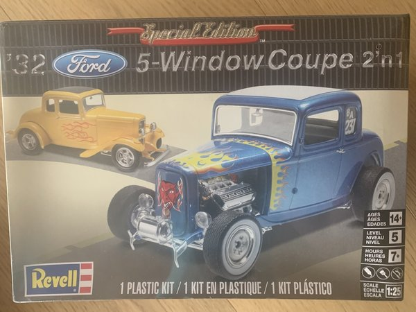 Revell US Monogram ´32 5-Window Coupe 2n1 1:25 85-4228