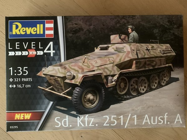 Revell Sd.Kfz. 251/1 Ausf.A 1:35 03295