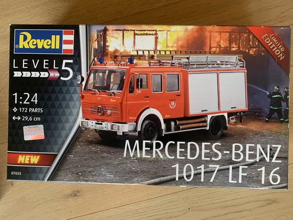 Revell Mercedes-Benz 1017 LF 16 1:24 Limited 07655