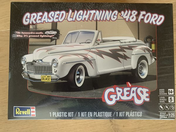 Revell US Monogram Greased Lightning 48 Ford Conver 1:25 85-4443