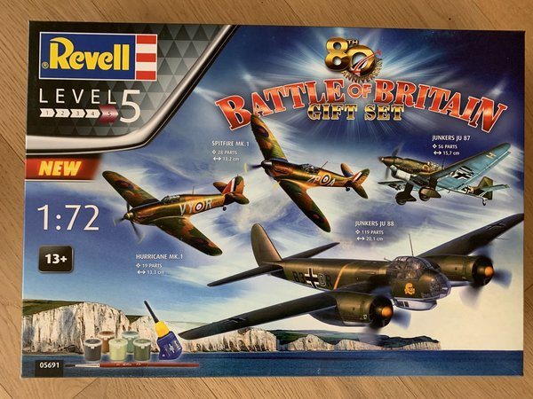 Revell 80th Anniversary Battle of Britain 1:72 05691